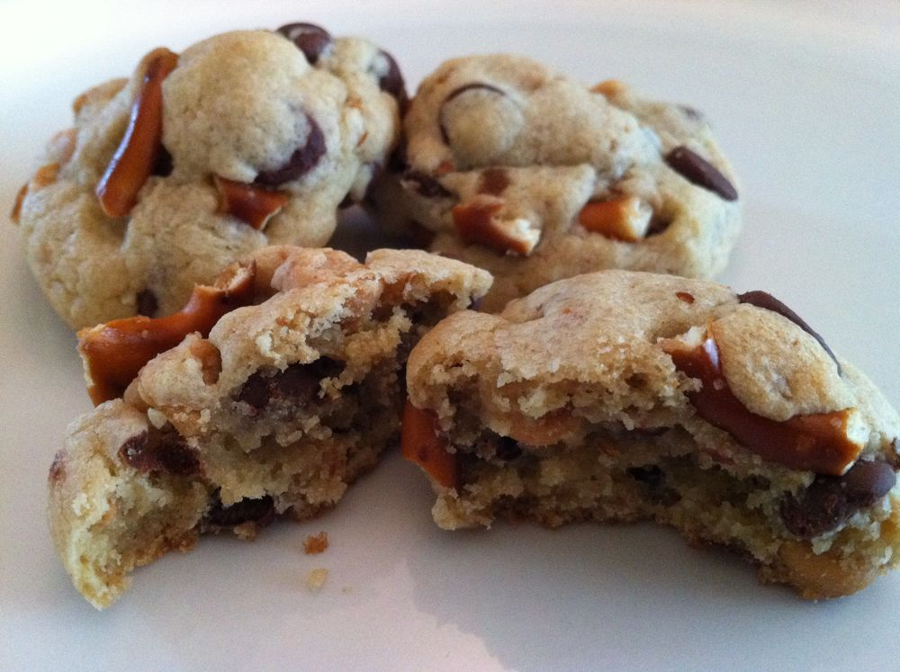 Recipe: Chocolate & Peanut Butter Chip Pretzel Cookies