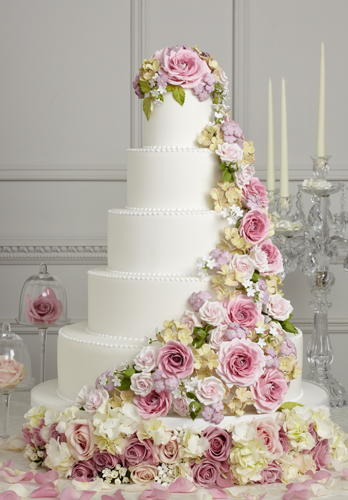 Confetti Cakes Flower Petals To Coordinate With Your Gorgeous Wedding Cake From Confettidirect