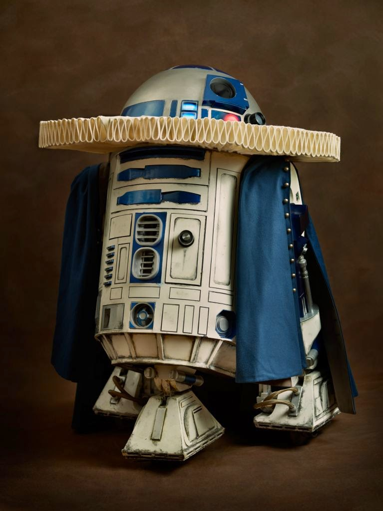01-R2D2-Sacha-Goldberger-Superheroes-in-the-1600s-www-designstack-co
