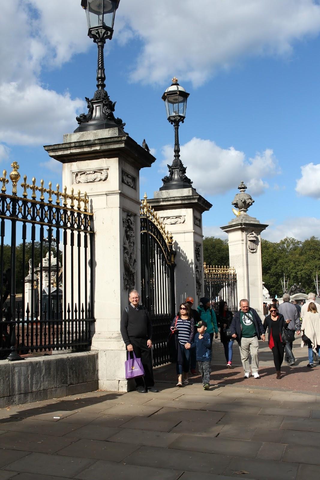 Buckingham palace the royal mews grateful prayer