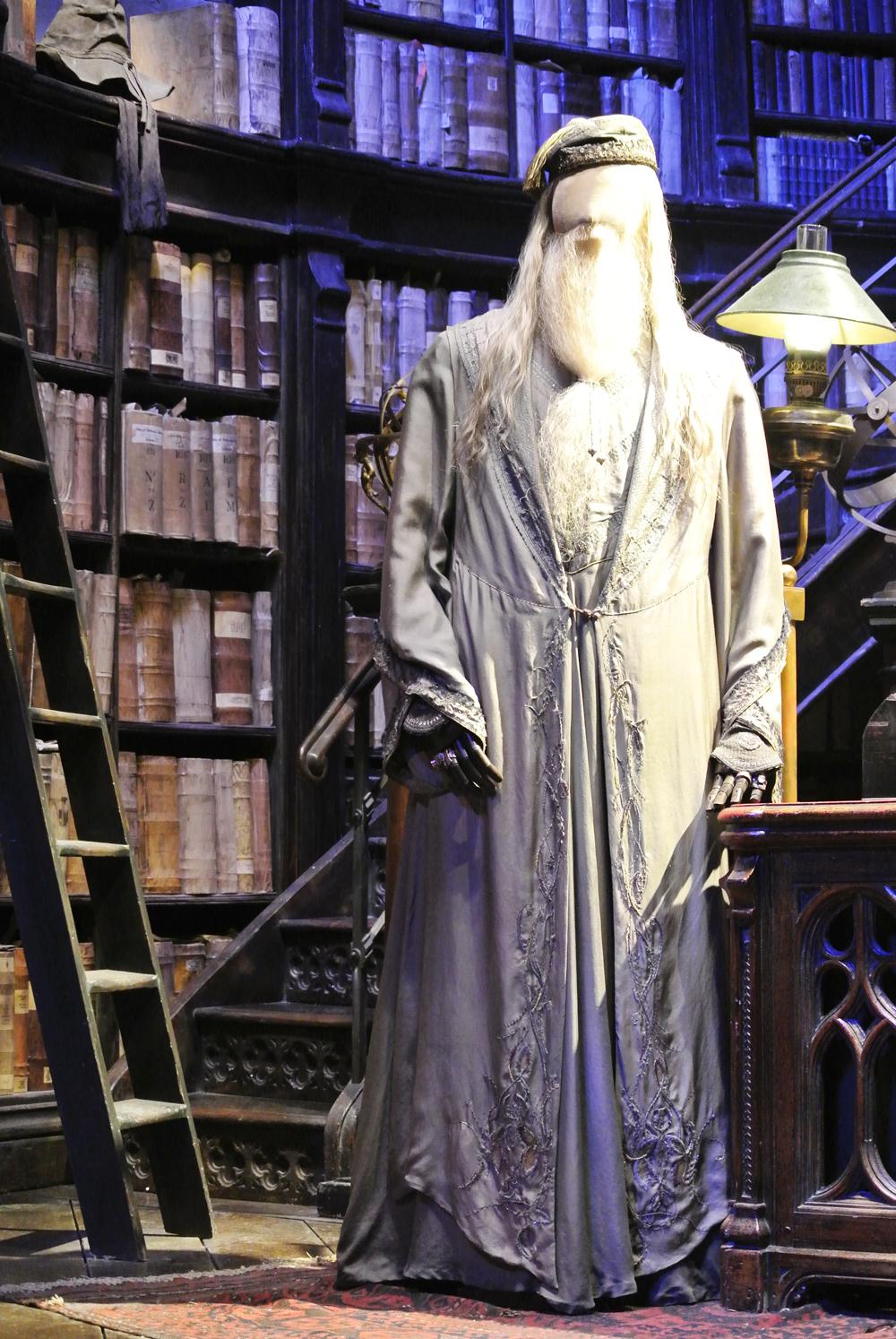 Warner Bros Studio Tour The Making of Harry Potter - Dumbledore's Office