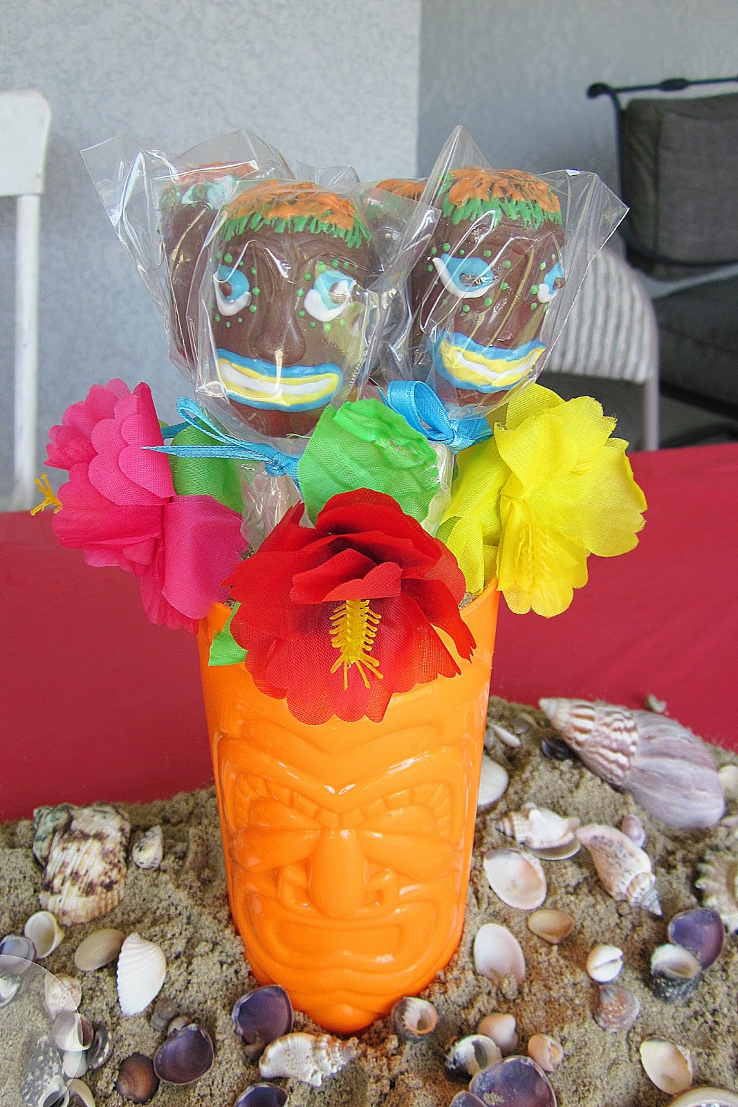 Stunning Hawaiian Party Centerpiece Ideas 1067 x 1600 · 429 kB · jpeg