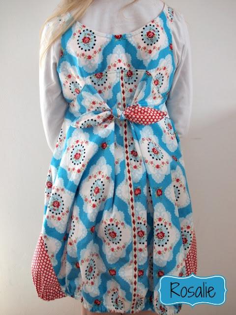 Rückenansicht Glitzerblume Kleid Rosalie