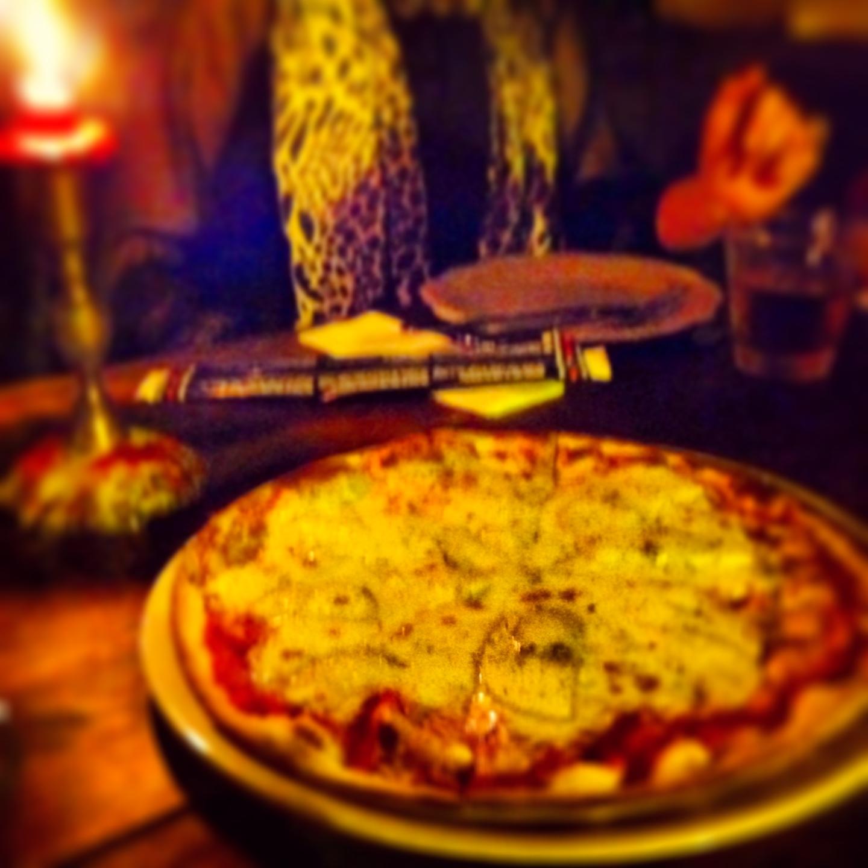 Made In Italy Pizza Al Lado De La Catedral De Le N A Buen Bocado # Muebles Pizzeria