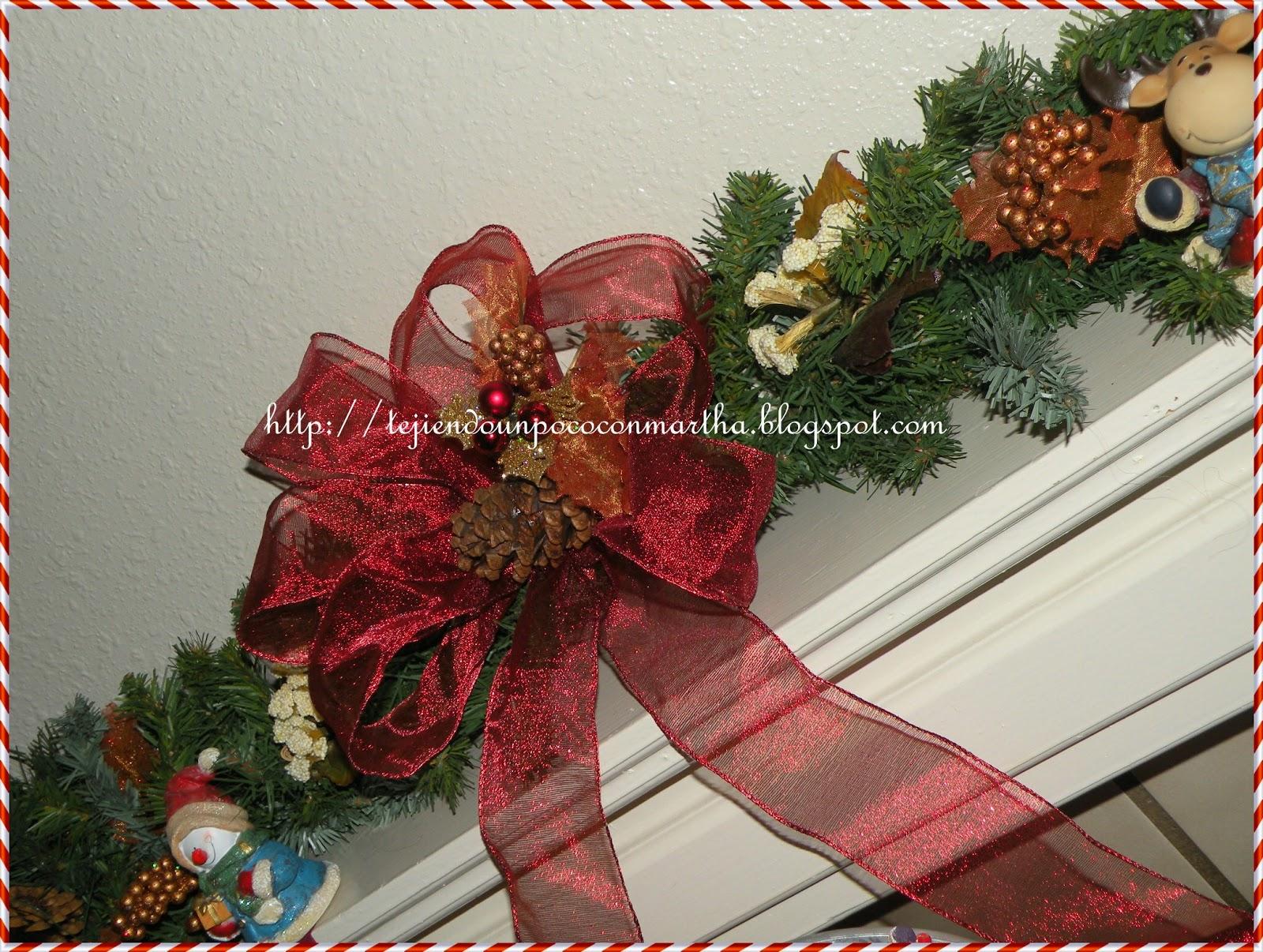 Tejiendo un poco con martha un lazo sencillo para el - Lazos arbol navidad ...