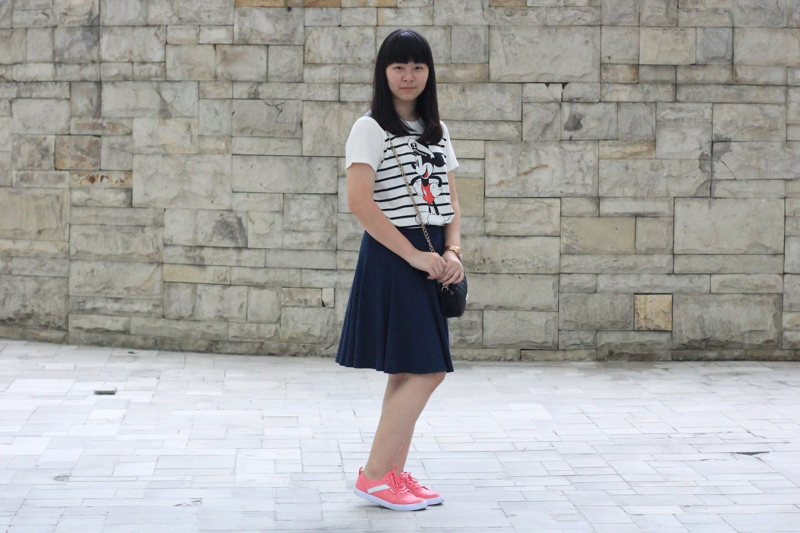 how-to-wear-stripes-tee
