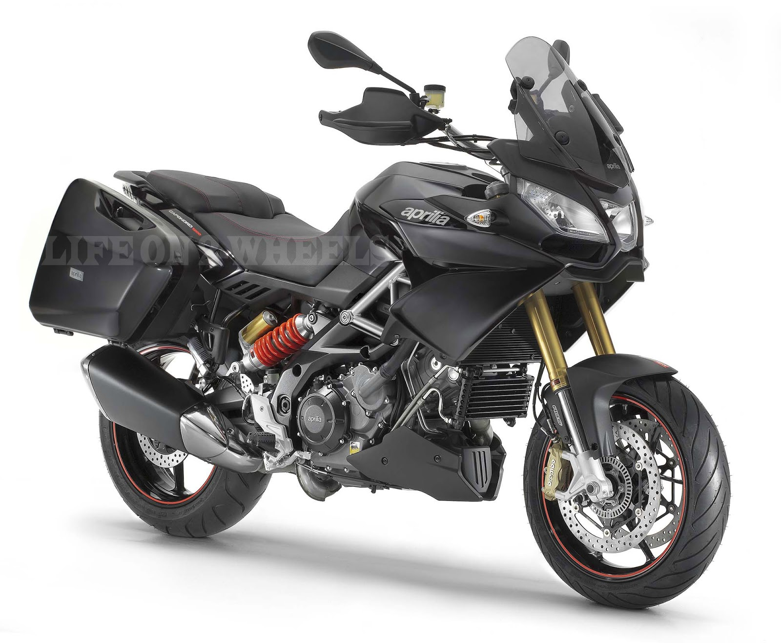 aprilia caponord 1200 comes to india bookings open life on 2 wheels. Black Bedroom Furniture Sets. Home Design Ideas
