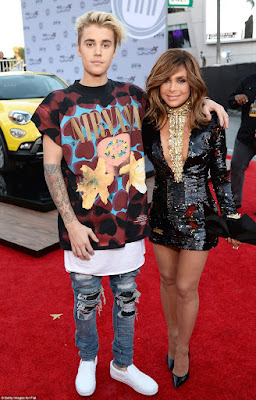 justin bieber red carpet American Music awards 2015