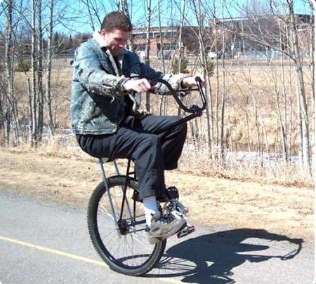 http://2.bp.blogspot.com/-sMHAhiGjUUc/Tsz8m1-oEHI/AAAAAAAAOrQ/PiMANUzrRKE/s640/one+wheeled+bicycle.jpg