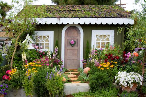 Ideas for an enticing cottage garden design 2016 living for Cottage garden plans designs