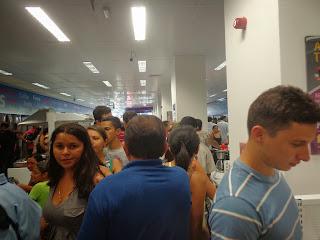 Grande movimentação de pessoas nas Casas Bahia Juazeiro do Norte.