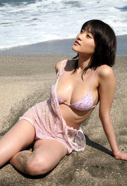 MIKIE HARA - Model Toge