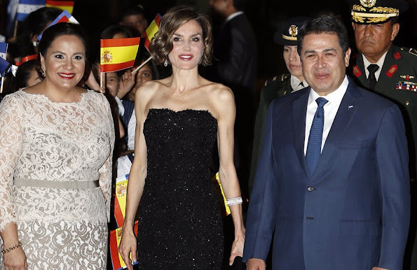 Queen Letizia of Spain, Honduran President Juan Orlando Hernandez and Honduran First Lady Ana Garcia de Hernandez at the presidential palace