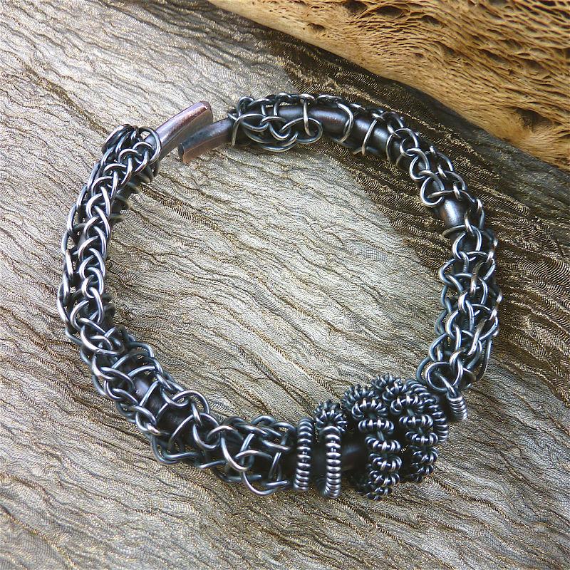 Sharilyn Miller: FREE Tutorial: Fisherman\'s Cuff Bracelet