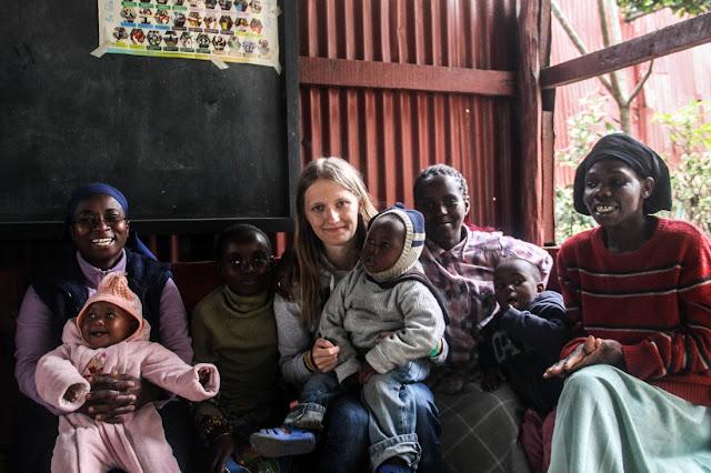 kenya-slums-girl
