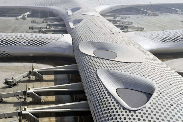01-Fuksas-completes-Terminal-3-at-Shenzhen-Bao'an-International-Airport