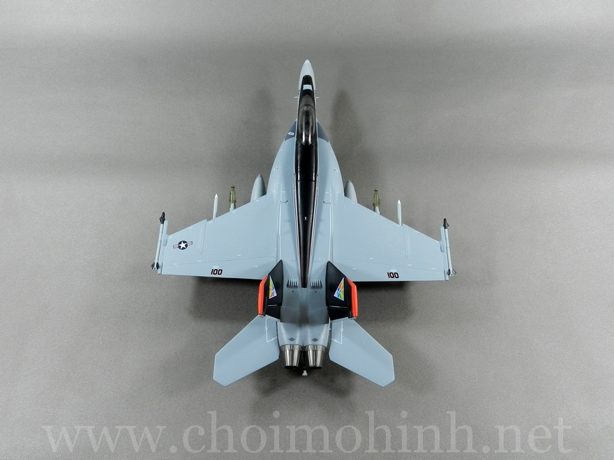 F-18E Super Hornet US Navy 1:72 Witty Wings up