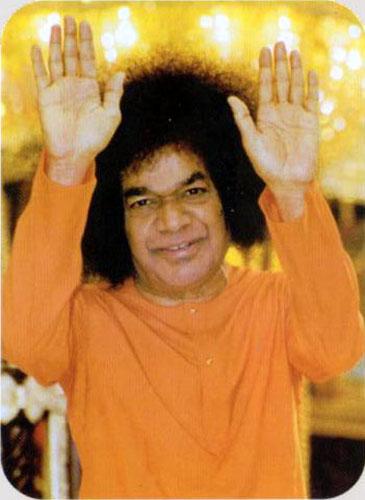 Sri Sathya Sai Baba (1926-2011) - Hands of a Guru Inde-sai-baba