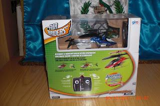 maqueta de helicóptero que vuela