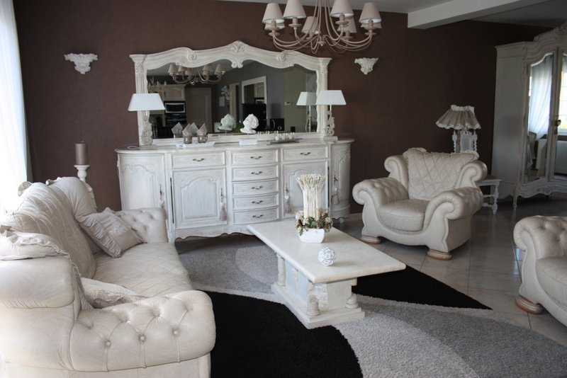 relooker des meubles un bon plan pour gagner de l argent lebonmag. Black Bedroom Furniture Sets. Home Design Ideas