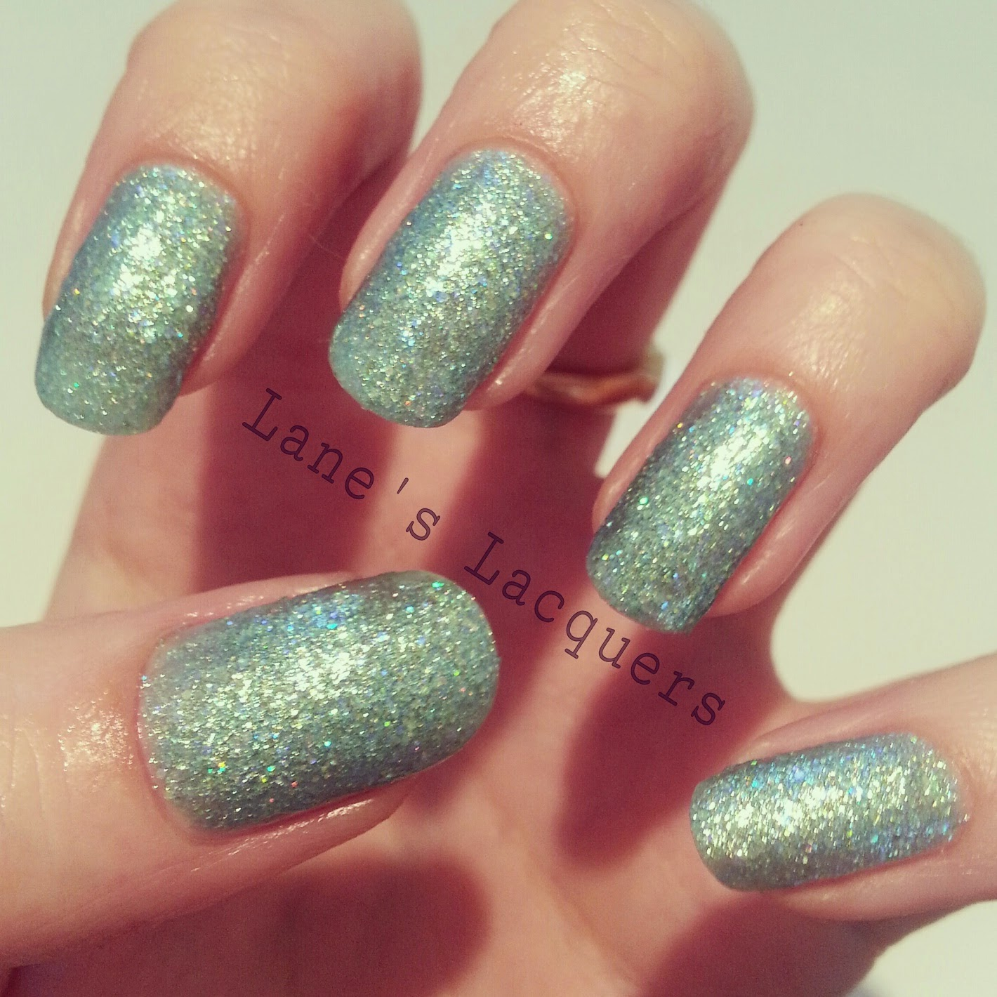 new-barry-m-glitterati-catwalk-queen-swatch-manicure