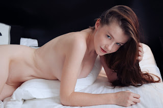 www.celebtiger.com+Eternal Bed pleasures Emily Bloom high 0006 Sweet Teen Emilly Bloom Nude On Her Bed HQ Photo Gallery