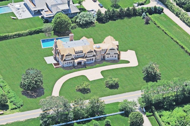 Aerial view of a house in the hamptons
