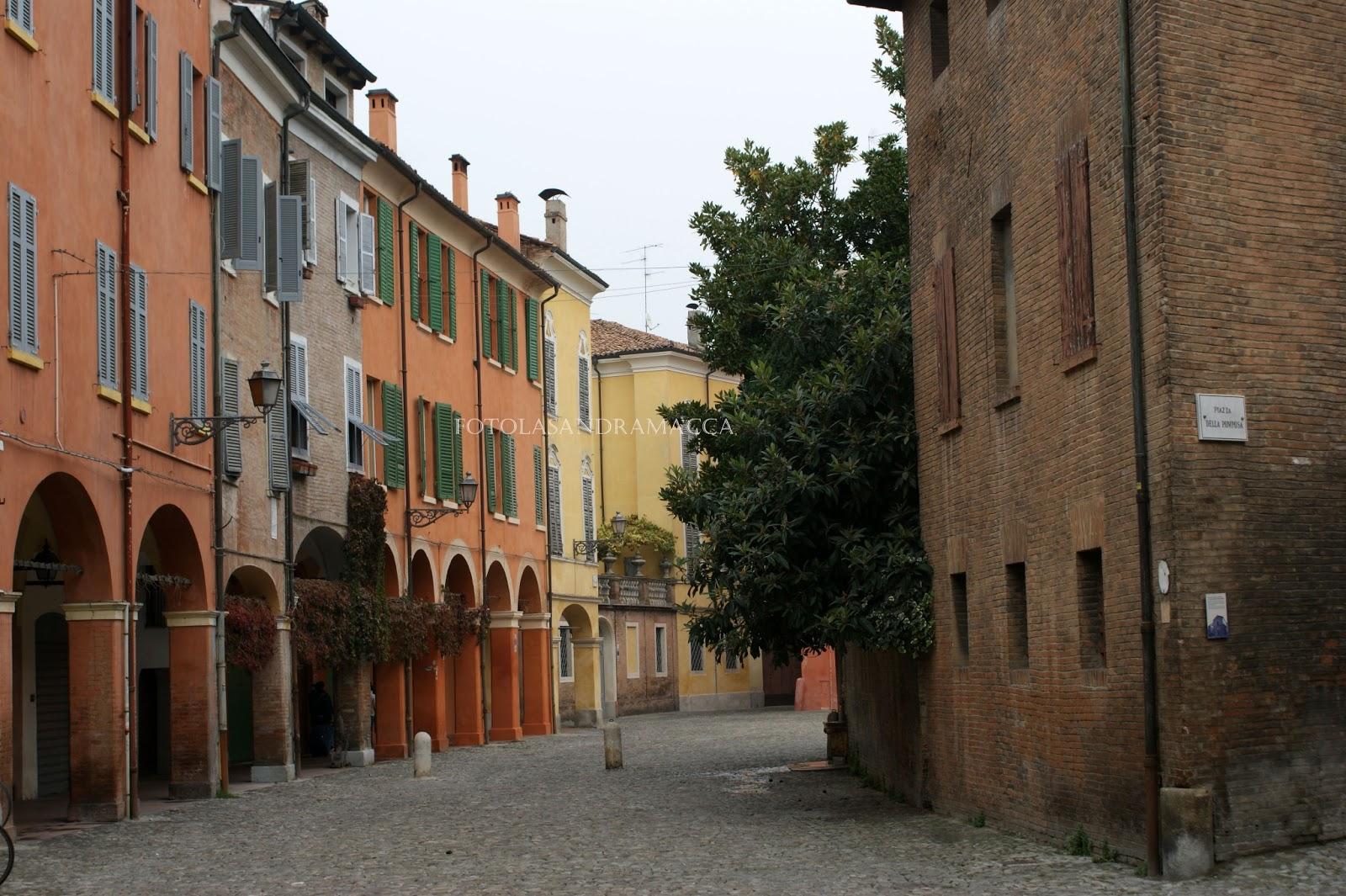 Lasandramacca portici di modena for 1 piani di fattoria storia con avvolgente portico