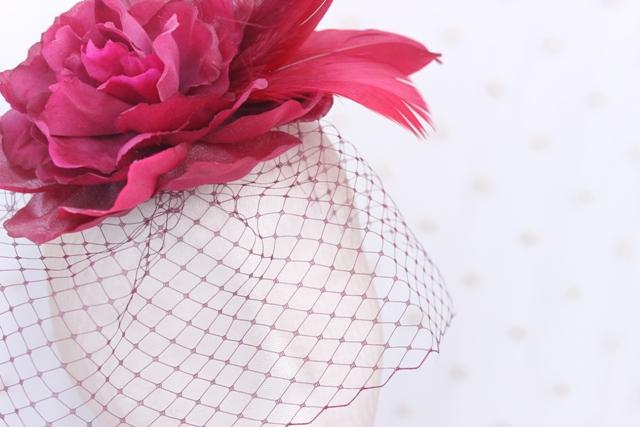 Colección Pedaleando - Tocado de cara Bouquet Granate