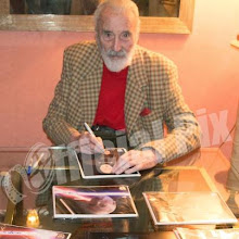 Limited Christopher Lee Autographs at Official Pix!