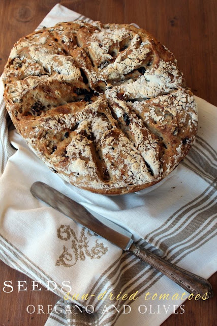 no-knead bread ai semi, pomodorini secchi e olive