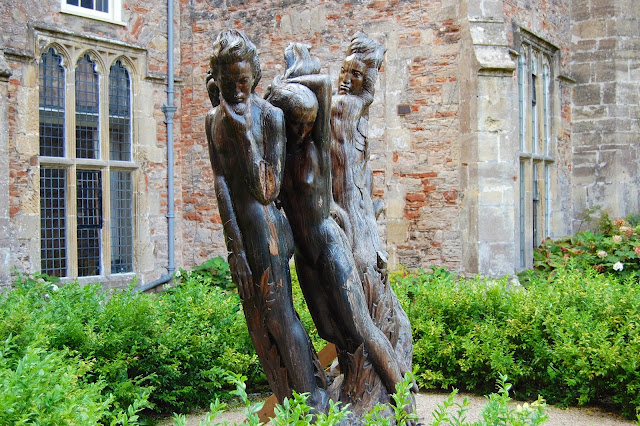 Adam and Eve sculpture