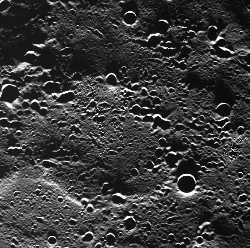 NASA原先發布的照片,你看得出來甚麼嗎?取材自:http://www.nasa.gov/mission_pages/messenger/multimedia/mercury_orbit_image5.html