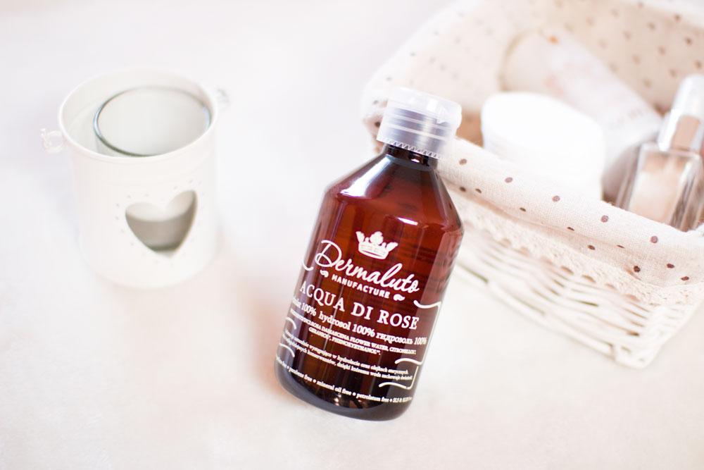 Tonizowanie cery. Co daje naszej skórze tonik, hydrolat. Blog modowy, kosmetyczny, lifestyle. Dermaluto acqua di rose, różany.