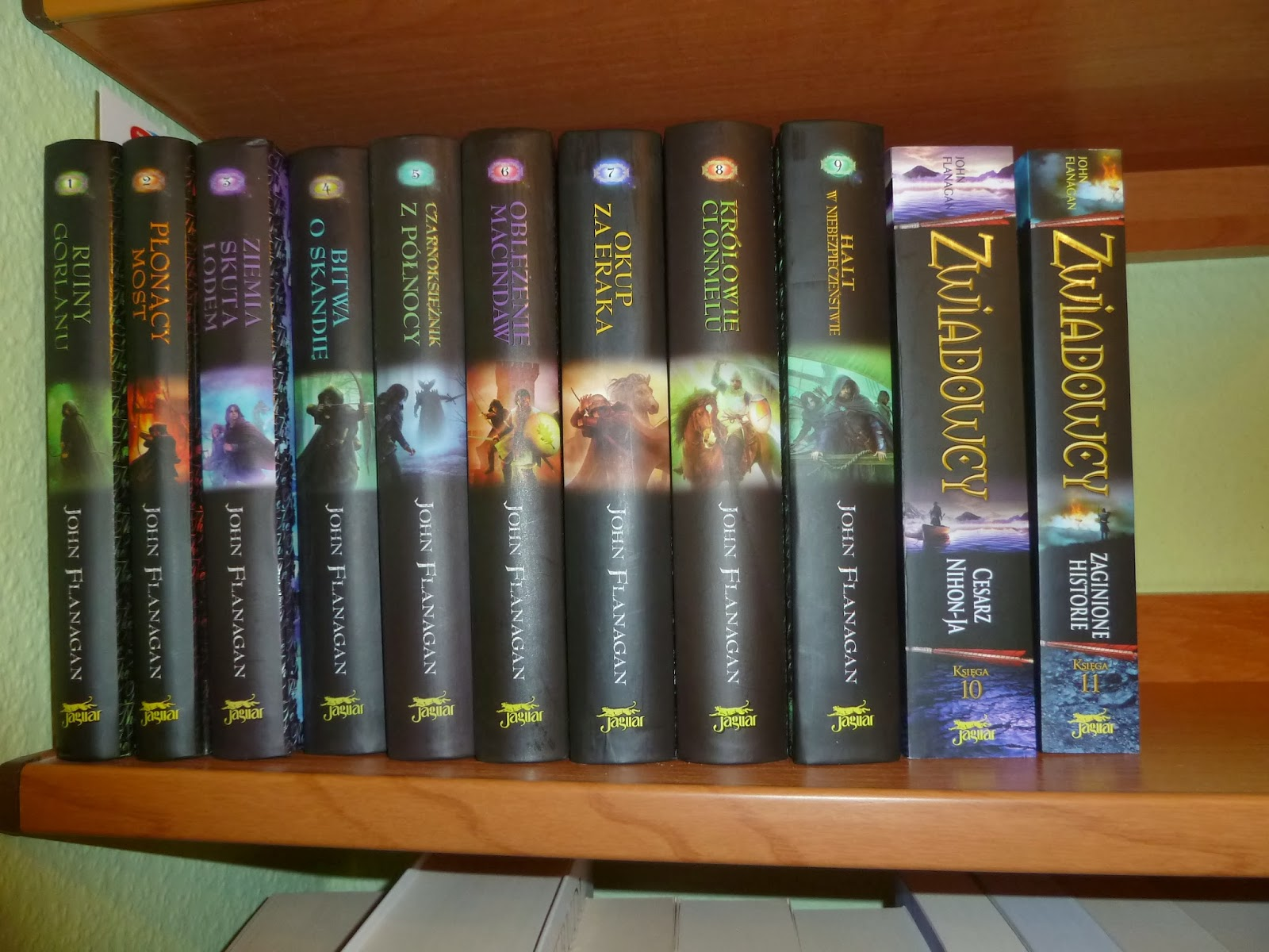 A Oto Moja Skromna Biblioteczka, W Kt�rej Sk�ad Wchodz� Nast�puj�ce Ksi��ki: