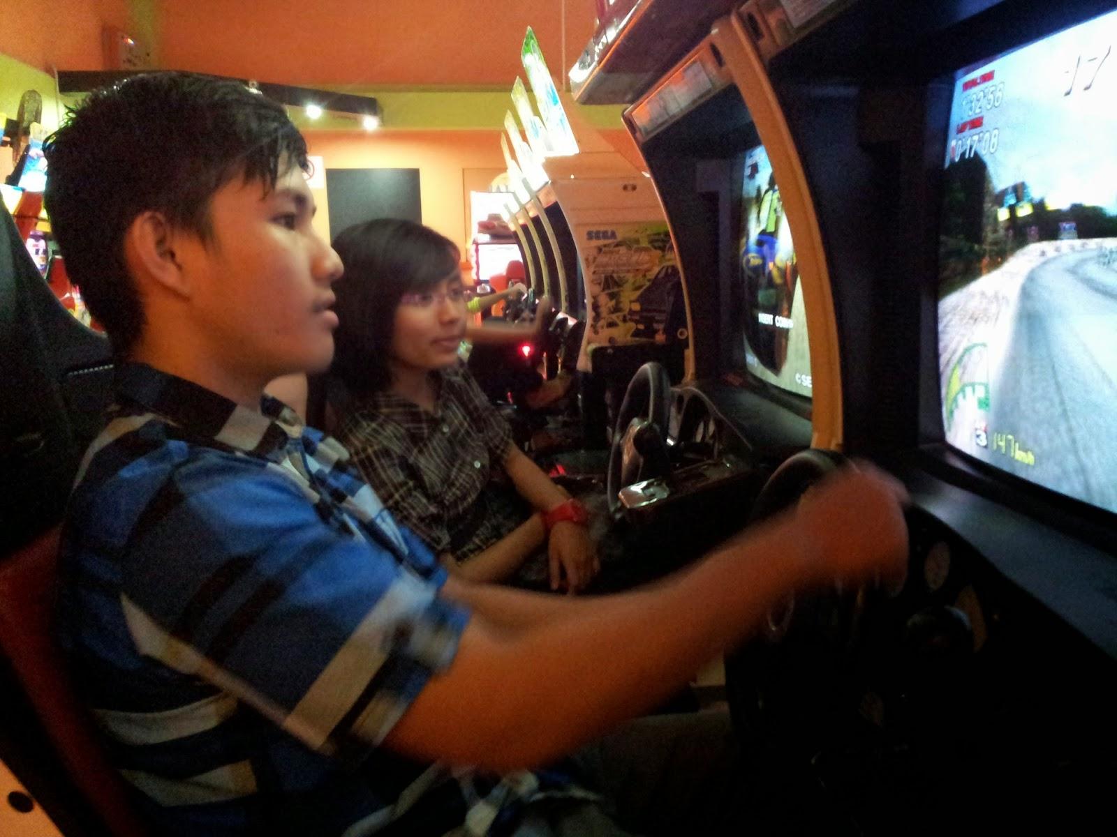 Misi Bintang Mencari Bintang : Main games lumba kereta