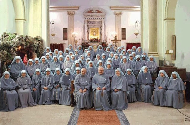 http://2.bp.blogspot.com/-sPC2pbSlTGg/U30l-T42UyI/AAAAAAAACtk/yKQUoDBgiuY/s1600/Franciscan-Sisters-of-the-Immaculate.jpg