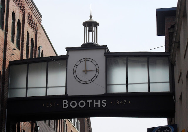 Booth's sign, Preston