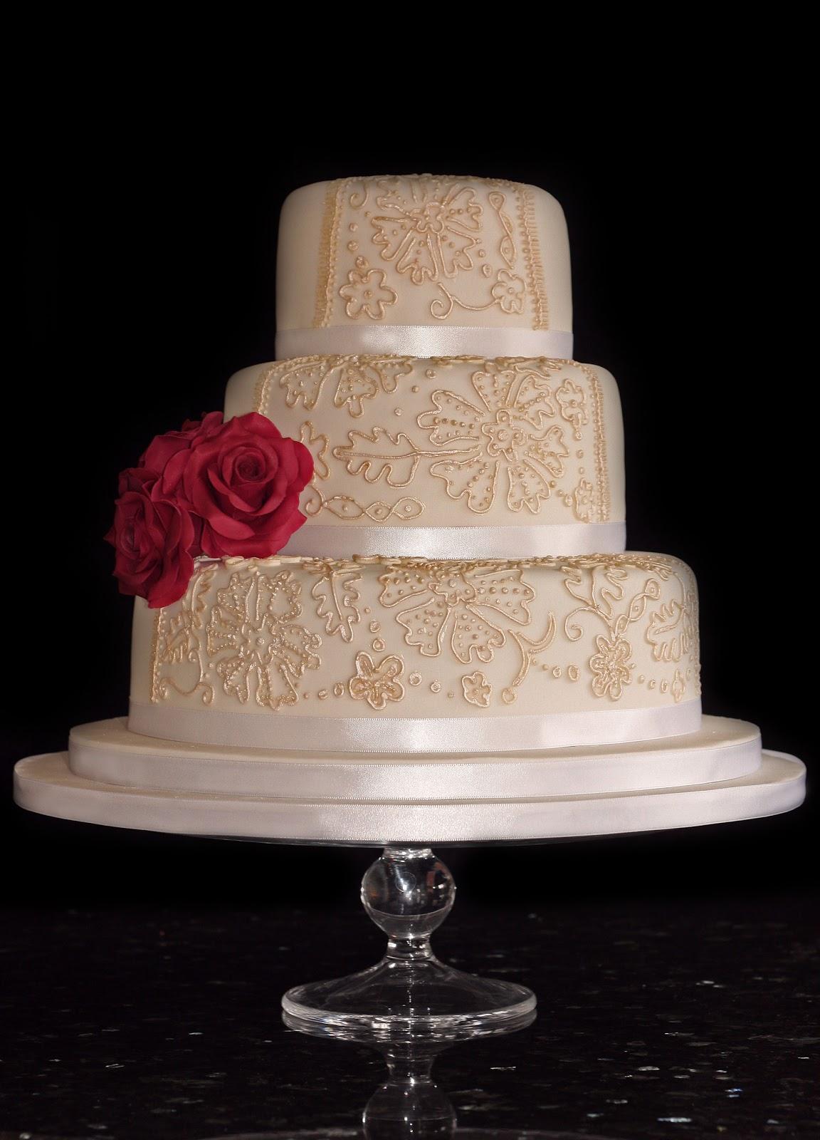Vanilla Vintage Style Wedding Cake