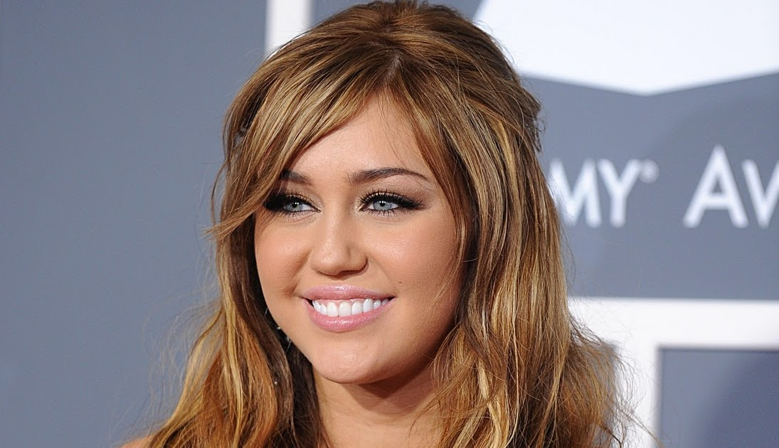 who is miley cyrus dating 2011
