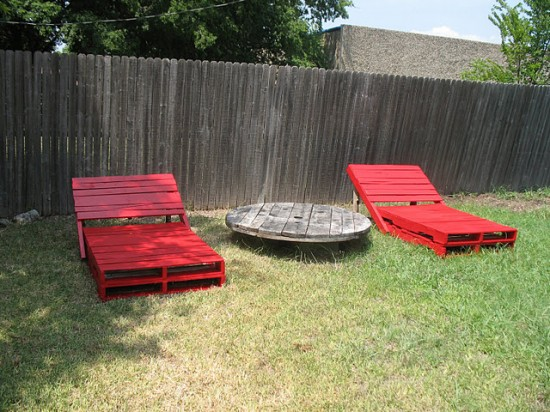 How to Recycle Creative Things to Make on Recycled Wood Pallets