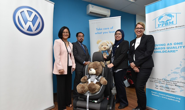 The advocates of Child Passenger Safety, from left : Sheahnee Iman Lee, Founder of Child Restraint Action Group, Datin Wong Poai Hong, President of Persatuan Pengasuh Berdaftar Malaysia (PPBM), Puan Sharifah Salmah Syed Harun, Human Resources Director of Volkswagen Malaysia,  and Sharifah Sofia, celebrity mum.