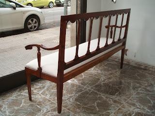 http://2.bp.blogspot.com/-sPkvVIJ2j5k/TjXjmgBu8WI/AAAAAAAAAoY/VvqxCZc2LRY/s1600/www.restaurarmuebles.es%252C+sofas%252C5.JPG
