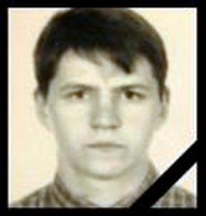 18 мая 2006 года был убит наш брат Дмитрий Боровиков. Он был одним из первых активистов, вставших на путь straight edge и занимавшихся популяризацией этого мировоззрения среди соратников.  Жил воином, и умер, как воин!  Вечная память!