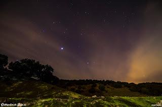 Estrellas, tras la montaña se encuentra Valdepeñas de Jaén