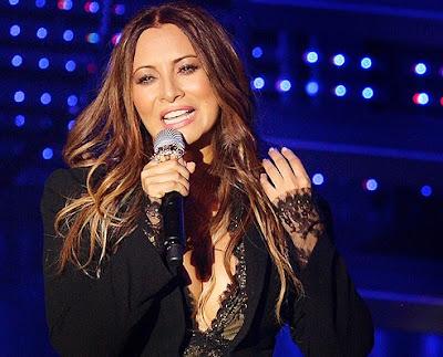 Myriam Hernández cantando en concierto