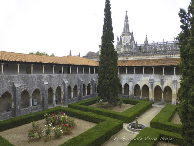 Claustro de D. Alfonso V del Monasterio de Batalla - El Guisante Verde Project