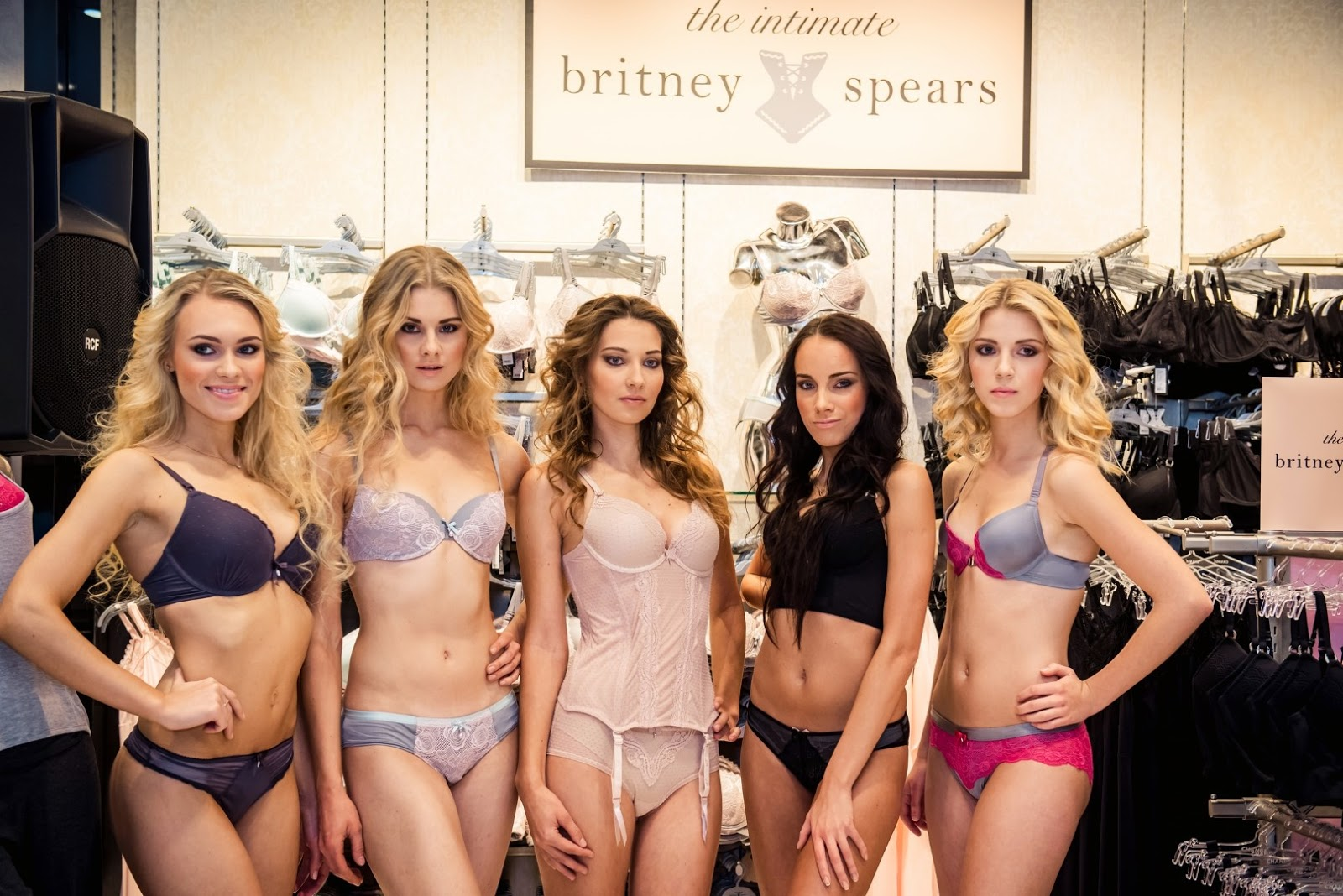intimates-by-breatney-spears-models