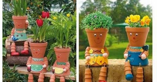 Mon jardin fleuri des personnages avec des pots en terre cuite - Bordure de jardin ancienne en terre cuite ...