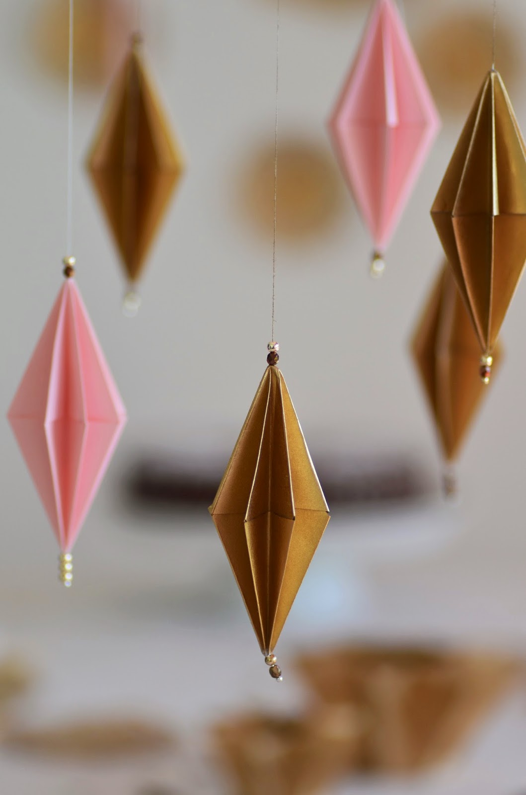 beautiful moments origami anh nger und origami windlichter und meine weihnachtliche tischdeko. Black Bedroom Furniture Sets. Home Design Ideas